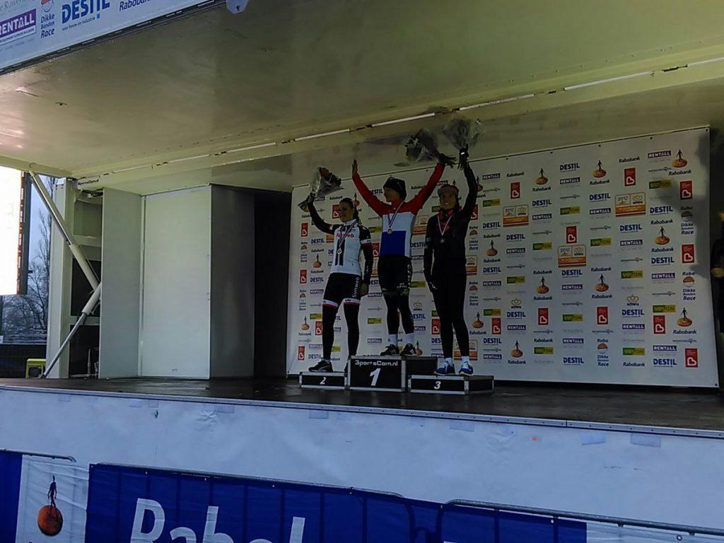 podium-dames